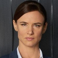 Detective Andrea Cornell played by Juliette Lewis