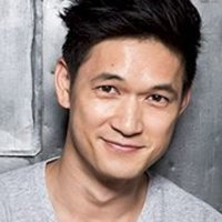 Magnus Bane played by Harry Shum Jr.