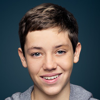 Carl Gallagher  played by Ethan Cutkosky Image