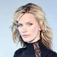 Cassie McBain played by Natasha Henstridge