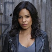 Ashe Akino played by Sanaa Lathan