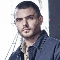 Ben Pownall played by Alex Roe