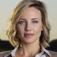Lena Graves played by Brianne Davis