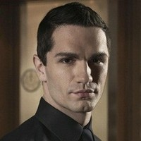 Davis Bloome played by Sam Witwer