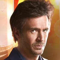 Derek Wills played by Jack Davenport