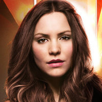 Karen Cartwright played by Katharine McPhee