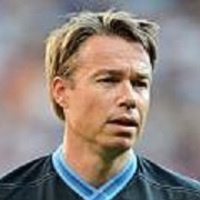 Himself - England Team (7) played by Graeme Le Saux