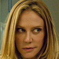 Agent June Stahl played by Ally Walker