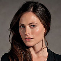 Erin Watts played by Lara Pulver