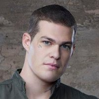 Drakeplayed by Greg Finley