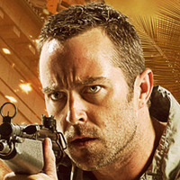 Sgt. Damien Scott played by Sullivan Stapleton