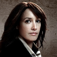 Christina Hartplayed by Jennifer Beals