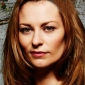 Natalie 'Nat' Manning played by Kat Stewart