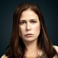 Helen Solloway played by Maura Tierney
