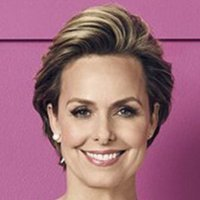 Jacqueline played by Melora Hardin