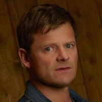 Jude Ellis played by Steve Zahn