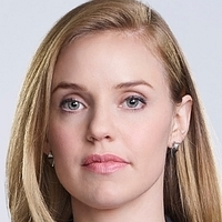 Kate Ryan played by Kelli Garner Image