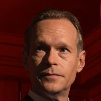 Richard Garland played by Steven Mackintosh