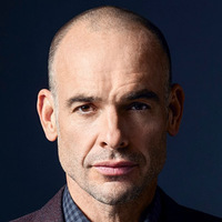 Detective Tom Hackett played by Paul Blackthorne Image