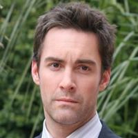 Special Agent Paul Ryan played by Jay Harrington