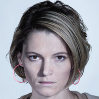 Danette Leeds played by Amy Seimetz