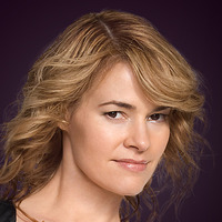 Alice Pieszecki played by Leisha Hailey