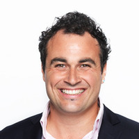 Miguel Maestre - Host
