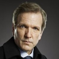 Darius Hayes played by Martin Donovan