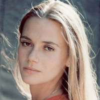Julie Barnes played by Peggy Lipton