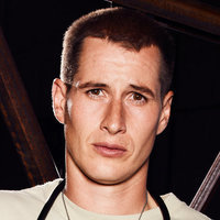 Drew played by Brendan Fehr