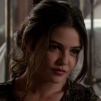 Davina Claire played by Danielle Campbell