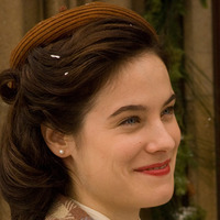 Vera Keller  played by Caroline Dhavernas