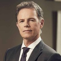 Dr. Randolph Bell played by Bruce Greenwood