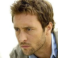 Detective Kevin Hiatt played by Alex O'Loughlin