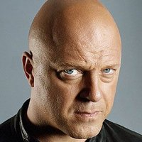 Detective Vic Mackey played by Michael Chiklis