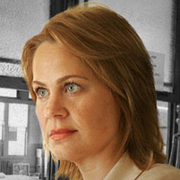 Asst. State's Atty. Rhonda Pearlman played by Deirdre Lovejoy