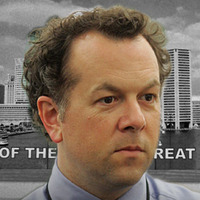 Managing Editor Thomas Klebanow played by David Costabile