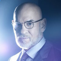 Walter Skinner played by Mitch Pileggi