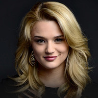 Summer Newman played by Hunter King