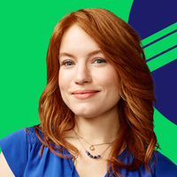 Abbey Logan played by Maria Thayer