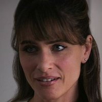 Tina Morris played by Amanda Peet