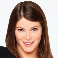 Gail Simmons - Judge played by Gail Simmons Image