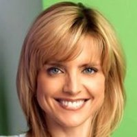 Lyndsey played by Courtney Thorne-Smith