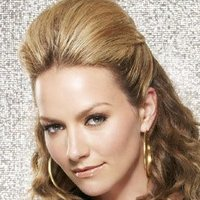 Amanda Tanen played by Becki Newton Image