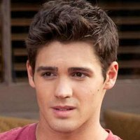Jeremy Gilbert played by Steven R. McQueen