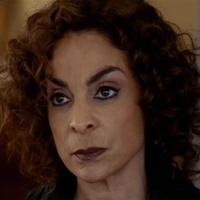 Shelia Bennett played by Jasmine Guy