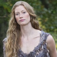 Princess Aslaug played by Alyssa Sutherland