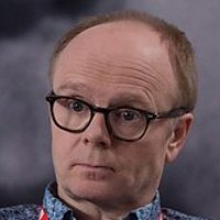 Simon Harwood played by Jason Watkins