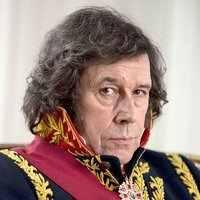 Prince Vassily Kuragin played by Stephen Rea (i)