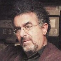 Artie Nielson played by Saul Rubinek